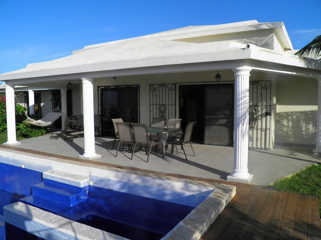 12_pool_and_terrace